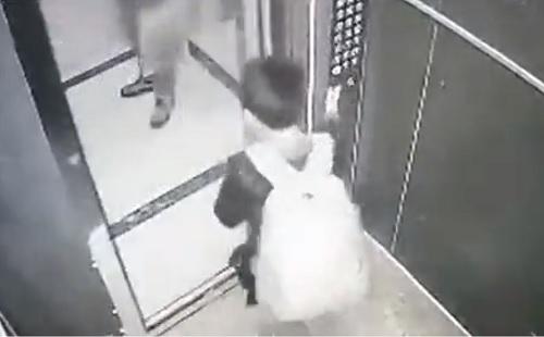 エレベーターで子供がイタズラした結果・・・悲惨な結果になる動画