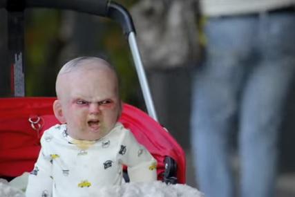 悪魔の赤ちゃん登場で街はパニックに!!w